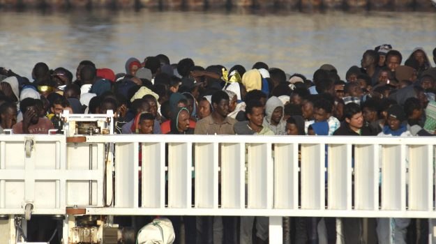 migranti iracheni fontane bianche, Siracusa, Cronaca