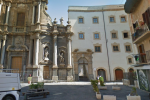 Palermo, bengalese picchiato e rapinato da un gruppo di ragazzini in piazza Sant'Anna