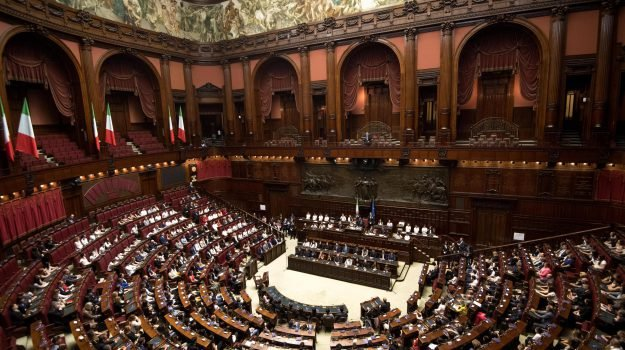 blutec termini, decretone, Pensione mafiosi latitanti, Sicilia, Politica