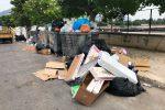 Da Mondello a via Villagrazia, ancora cumuli di rifiuti a Palermo