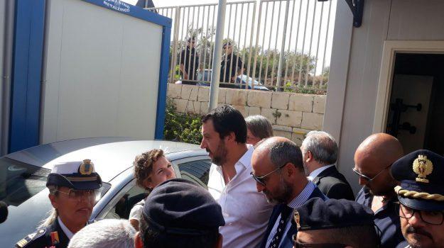 migranti salvini, ministro interno, Francesco Montenegro, Marco Minniti, Matteo Salvini, Roberto Ammatuna, Sicilia, Politica