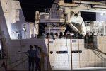 Le immagini dalla nave Diciotti sbarcata nella notte a Pozzallo