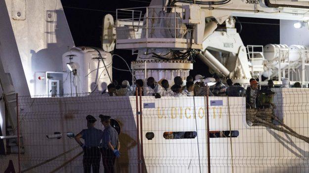 migranti, nave diciotti, sbarco pozzallo, Ragusa, Cronaca