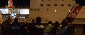 Sbarco a Pozzallo di 518 migranti, arrestato presunto scafista