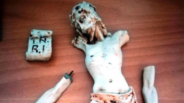 statua danneggiata tremestieri etneo, Catania, Cronaca