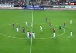 Durante la partita di addio di Tomas Rosicky, leggenda calcistica in Repubblica Ceca, è andato in scena un sipario che ha strappato applausi