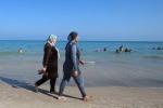 Belgio: 'le piscine non possono vietare l'uso del burkini'