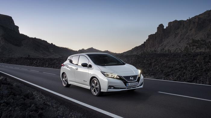 Nissan Leaf, auto elettrica più venduta in 6 mesi in Europa - Industria