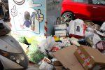 Palermo, cumuli di rifiuti anche nell'area della differenziata: le immagini da via Volturno