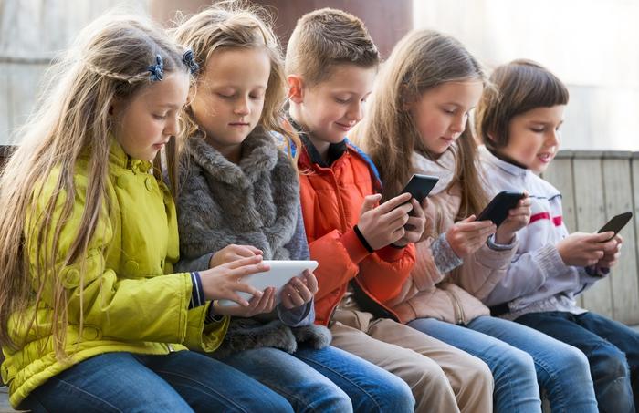 Con chat e social aumenta il deficit d'attenzione