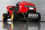 Per battere record esistente Honda ha innestato nel tagliaerba il motore della moto  CBR1000RR Fireblade SP portato a 192 Cv