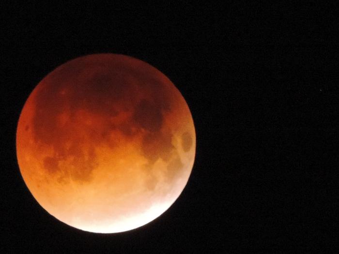 Eclissi di Luna più lunga del secolo: pronti per lo spettacolo