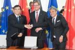 Luca de Meo, CEO di Seat, ha siglato il memorandum d'intesa con il presidente della JAC An Jin e presidente di Vw Group