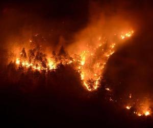 Uno degli incendi in Piemonte nel 2017