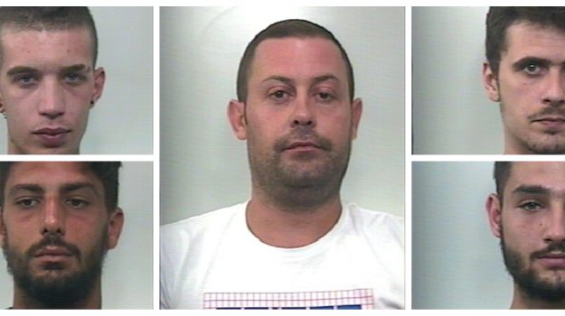 Droga a Cefalù, nomi e foto dei 5 arrestati