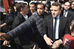"""Picchiò un manifestante a Parigi"", aperta un'inchiesta su collaboratore di Macron"