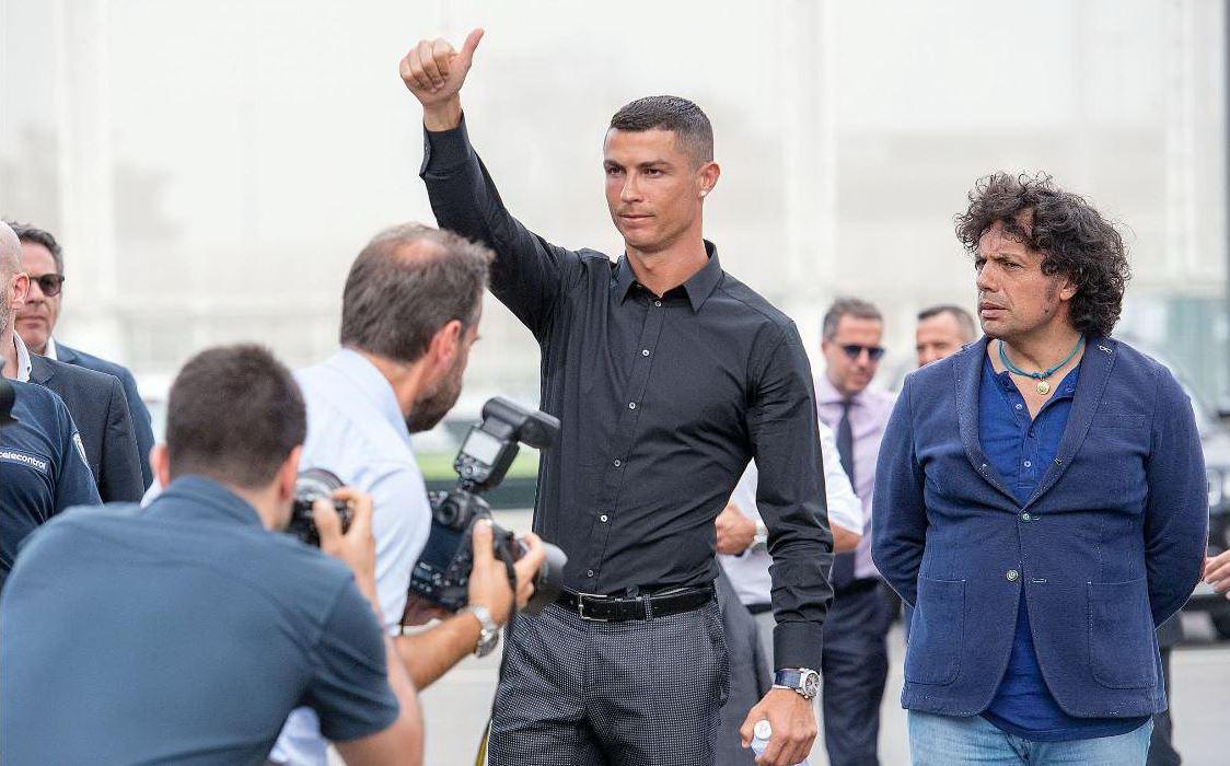 Cristiano Ronaldo, primo vero allenamento in campo con la Juventus: il VIDEO