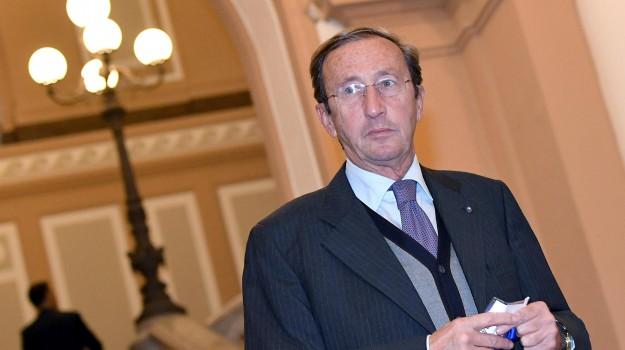 fini rinviato a giudizio, Gianfranco Fini, Sicilia, Cronaca