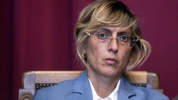 Istat, Giulia Bongiorno, Sicilia, Politica
