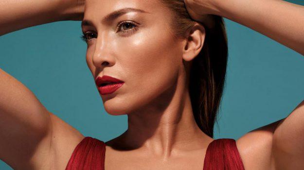 Jennifer Lopez, Sicilia, Società
