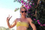 Scatto sui social, Noemi supera la prova costume: ad agosto in Sicilia, ecco dove canterà