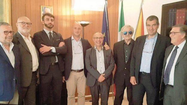 distretto della pesca mazara, Nino Carlino, Trapani, Economia