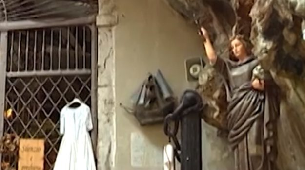 Al santuario di Santa Rosalia per chiedere una grazia: il pellegrinaggio dei palermitani