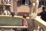 """Palermo piace ai turisti stranieri, piazza Pretoria la tappa più gettonata: """"Estasiati dalla città"""""""