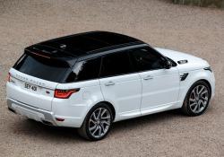 Oltre che per lievi interventi nel design, Range Rover Sport MY 2019 si distingue per nuovi contenuti di sicurezza e un inedito biturbo diesel