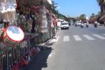 Festino, le bancarelle disposte lungo il Foro Italico di Palermo