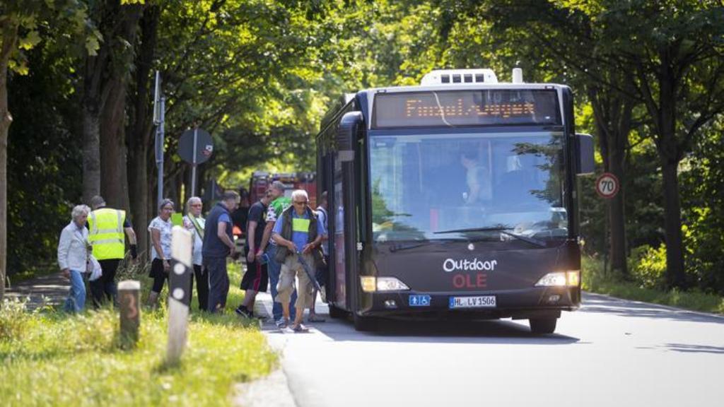 Germania, accoltella passeggeri su bus: 8 feriti