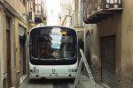 Bus in via Gaetani a Caltanissetta, monta la protesta dei residenti