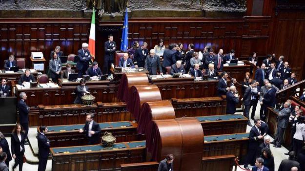 Manovra fiducia, manovra fraccaro, Sicilia, Politica