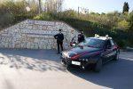 Aggredisce con un'ascia un'impiegata delle Poste a Campofelice di Roccella, fermato un uomo di 83 anni