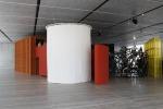Il mondo eccentrico di John Bock alla Fondazione Prada