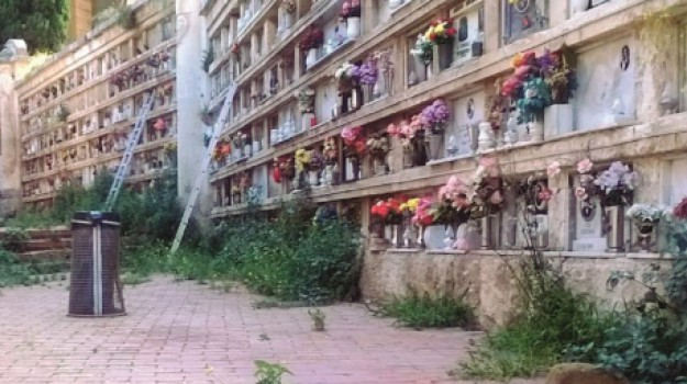 loculi cimitero di caltanissetta, salme caltanissetta, Michele Lopiano, Caltanissetta, Cronaca