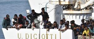 """Diciotti, aut aut di Salvini: """"O interviene l'Ue o riportiamo i migranti in Libia"""""""