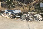 Carini, l'accesso al mare tra i rifiuti: le immagini di una discarica in via Torre Ulisse
