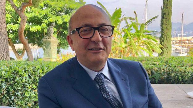 nuova rete sanitaria sicilia aiop, Marco Ferlazzo, Sicilia, Politica