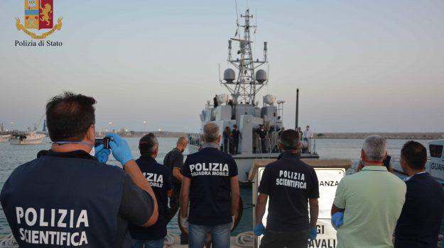 migranti scafisti pozzallo, sbarco pozzallo, Ragusa, Cronaca
