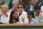 Sugli spalti a tifare Serena Williams, Meghan e Kate insieme a Wimbledon... senza mariti