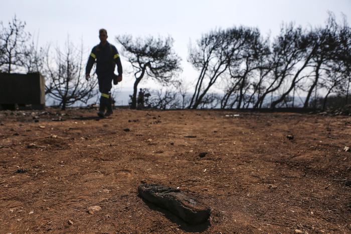 Grecia: aumentano le vittime dei roghi che hanno devastato l' Attica
