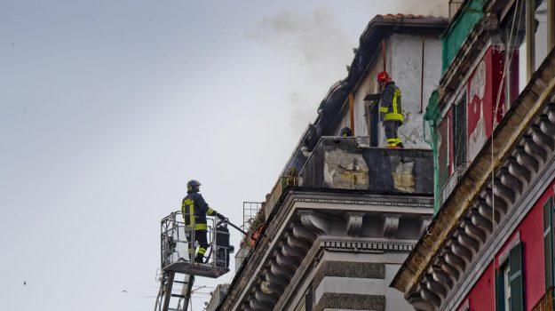incendio napoli, Agrigento, Cronaca