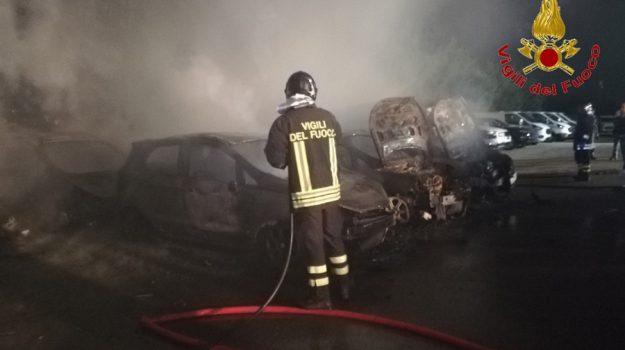 auto, Gela, incendio, Caltanissetta, Cronaca