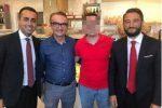 Luigi Di Maio e Giancarlo Cancelleri in foto col cognato di Giuseppe Corona Fabio Bonaccorso