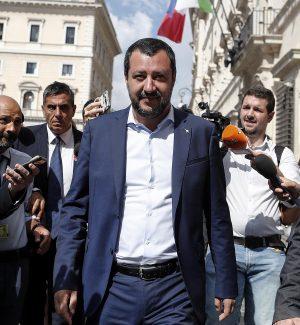 """Salvini: """"Nella prossima manovra il taglio delle tasse"""""""