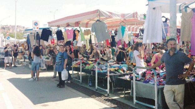 abusivi mercatino caltanissetta, Caltanissetta, Cronaca