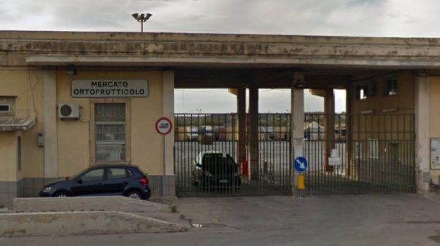 mercati generali, regolamento. Comune, Palermo, Economia