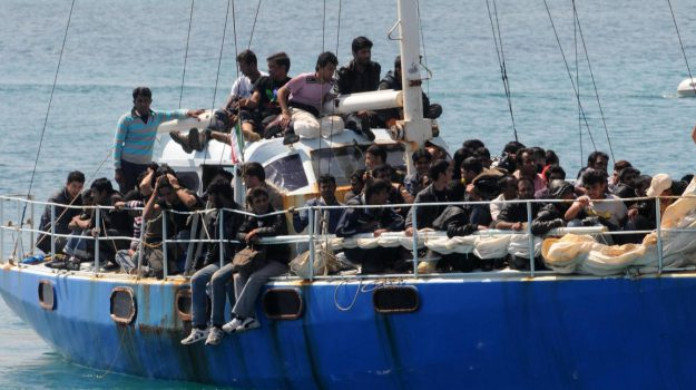 sbarco migranti noto, Siracusa, Cronaca