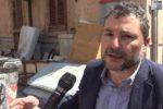 """Una discarica davanti casa a Palermo: """"Costretti a tenere le finestre chiuse"""""""